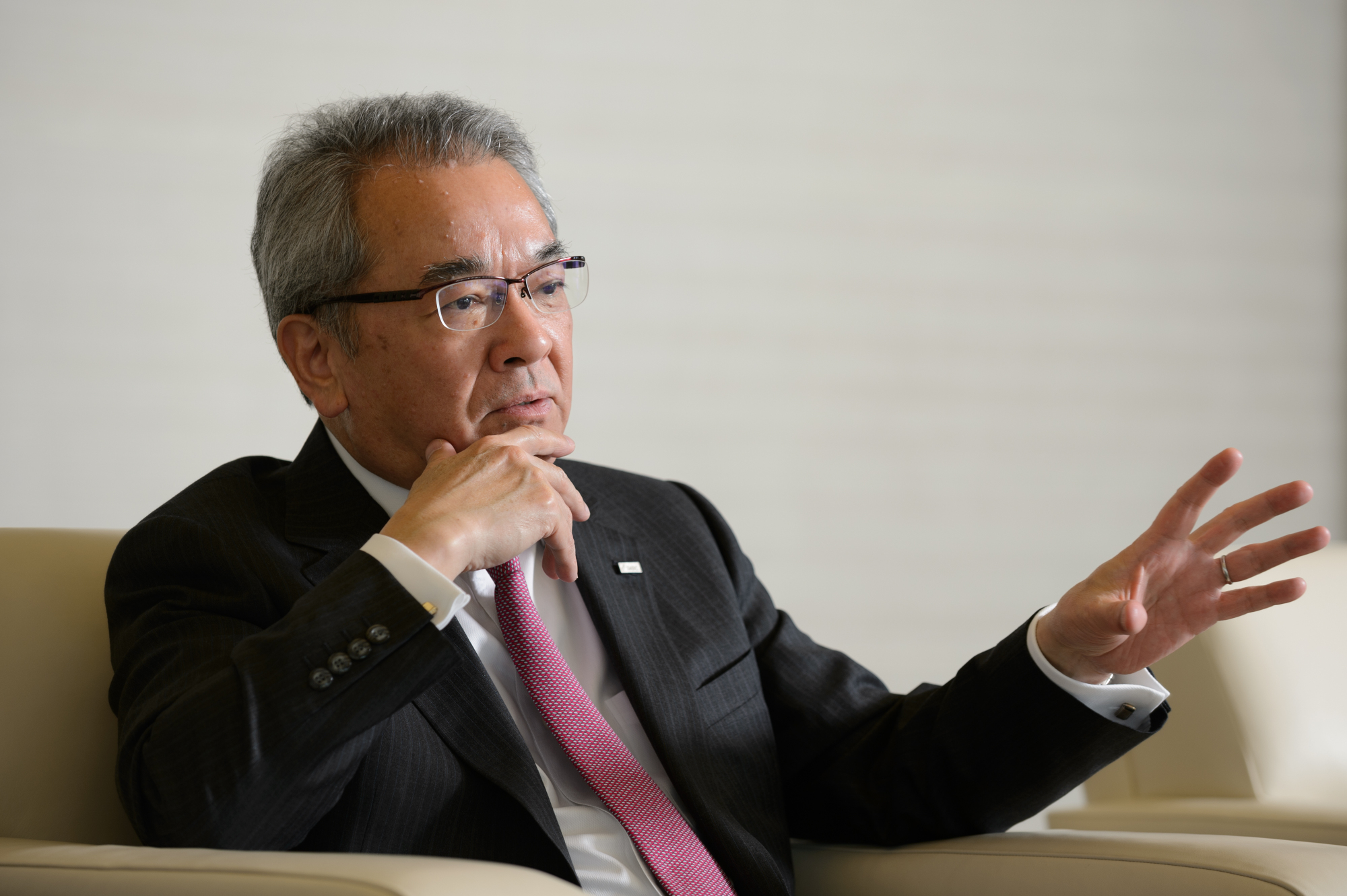 Makoto Takashima, chairman of the Japanese Bankers Association, says Japan should not pursue even lower interest rates. | BLOOMBERG