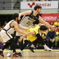 Brex dominate Sunrockers as postseason approaches