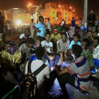 Sudanese military and protesters resume talks after street violence