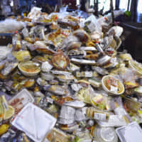 Japanese convenience stores tackle food waste issue; households and restaurants slow to get on board
