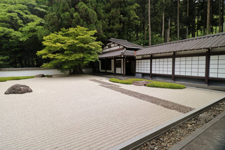 High and dry: The karesansui (dry rock garden) at the Gyokudo Art Museum, which houses a collection of artwork by Gyokudo Kawai. | KIT NAGAMURA