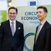 European Commission Vice President Jyrki Katainen (left) at the World Circular Economy Forum 2018 in Yokohama in October. | NICOLAS DATICHE, EUROPEAN UNION