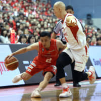 Chiba Jets guard Yuki Togashi has played a key role in the team's run to the playoff semifinals, including last weekend's sweep of the Toyama Grouses at Funabashi Arena. | B. LEAGUE