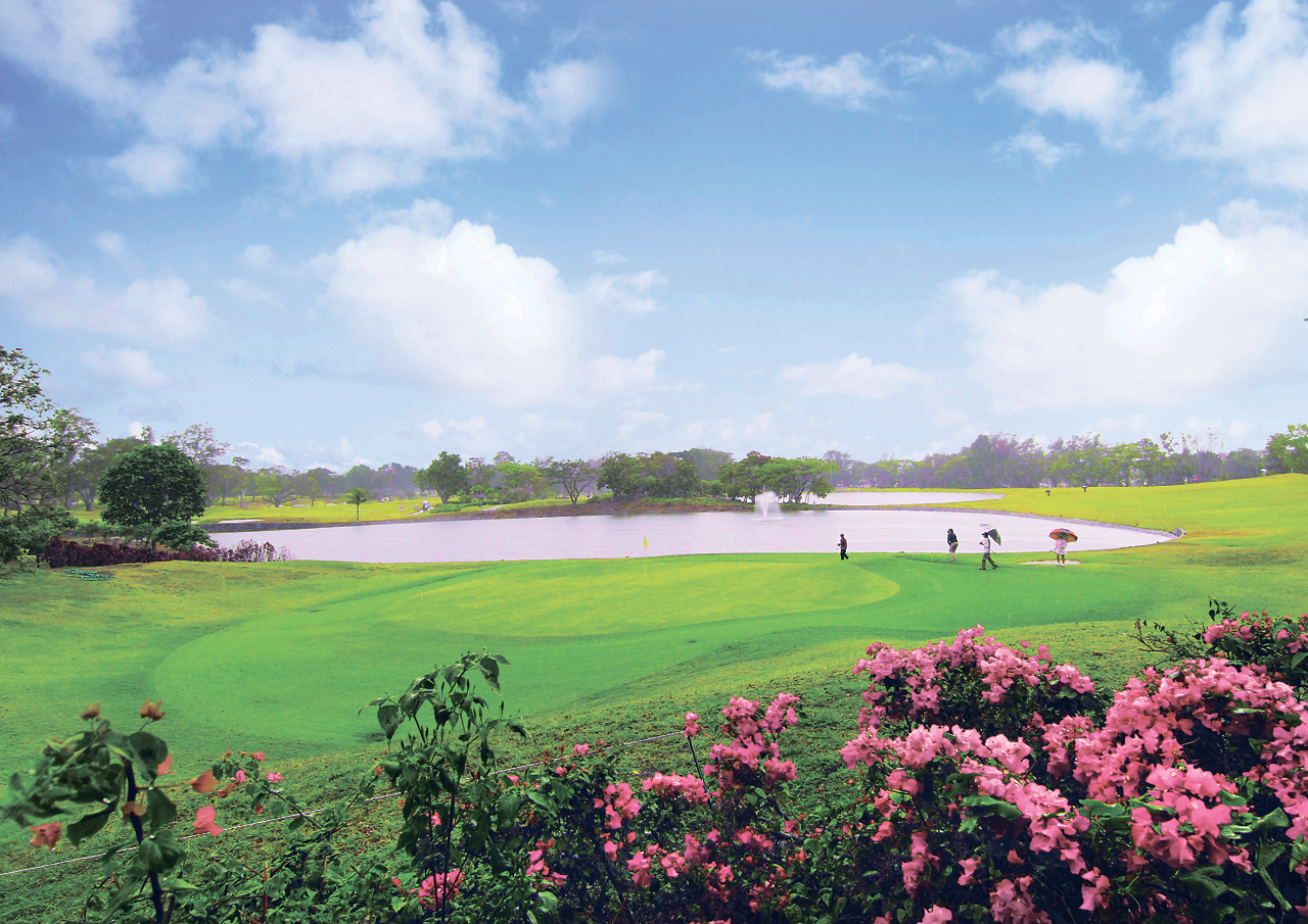 The Philippines offers over 50 golf courses for the active retiree. | © DOT