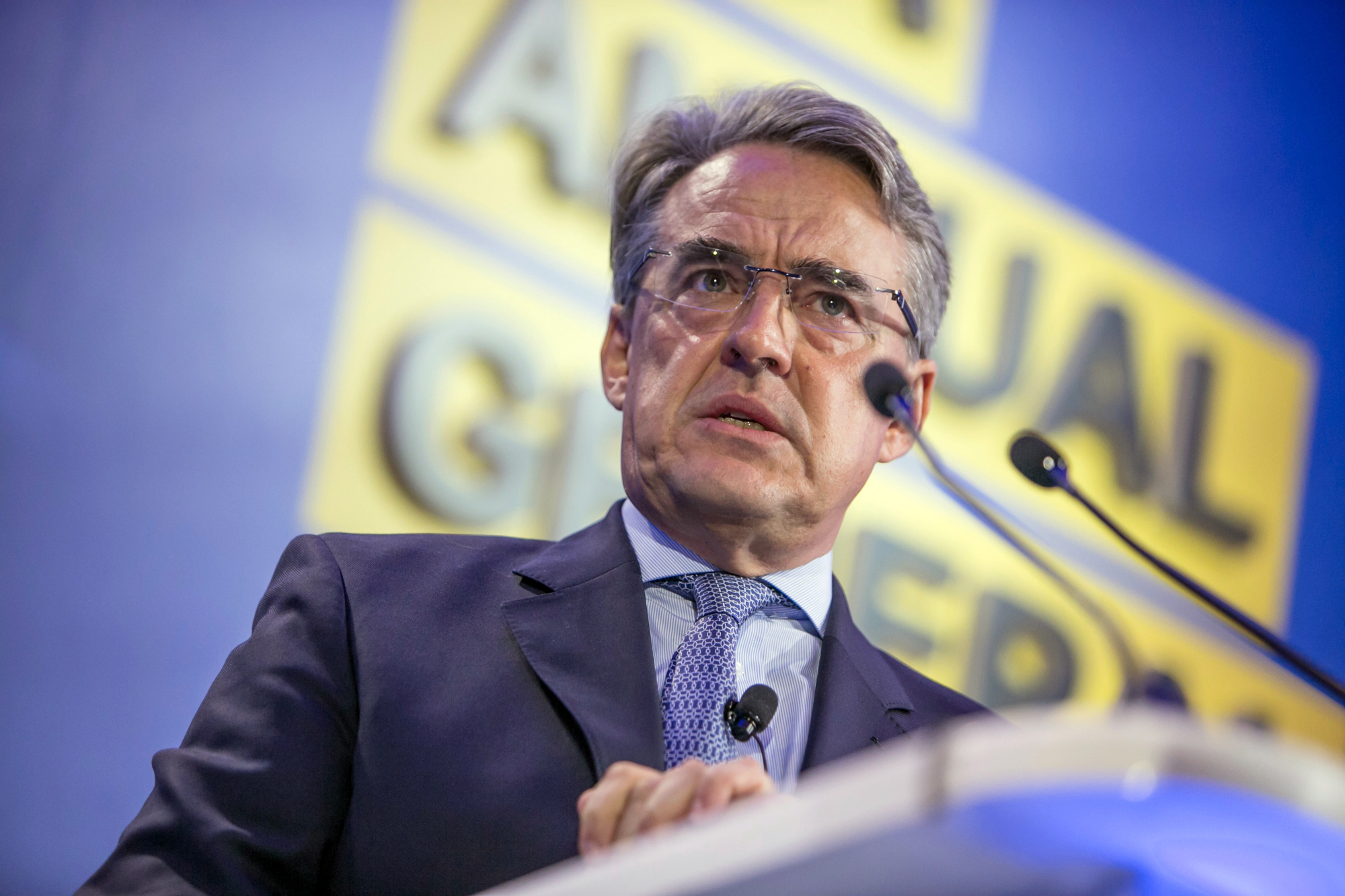Alexandre de Juniac, director general of the International Air Transport Association, addresses its annual general meeting in Seoul on Sunday. | BLOOMBERG