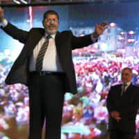 Mohammed Morsi, who ruled Egypt between two revolts, dies at 67