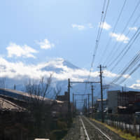 Governor looks to draw up Mount Fuji railway plan in two years