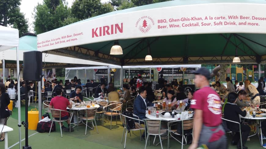 With a capacity of 1,000 people on the weekends, this is one of Tokyo's largest beer gardens and offers 22 different types of craft beer.