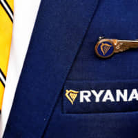 Ryanair tells ranks it has 900 more pilots and crew than needed