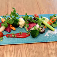 Pub grub plus: Beer Pub Takumiya's organic salad is prepared with vegetables grown in nearby Shiga Prefecture. | KOTARO YAMAMOTO