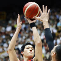 Yuta Watanabe adds versatility to the Japan lineup with the ability to play multiple positions. | KYODO