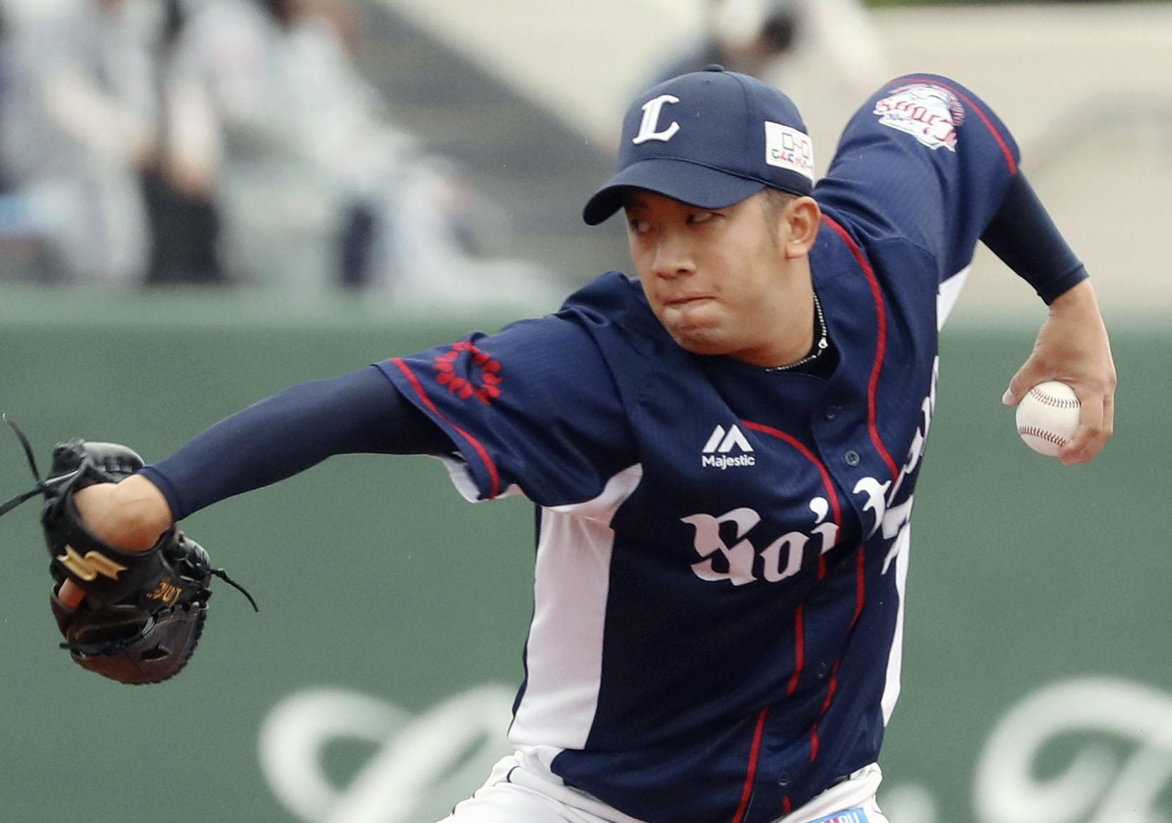 Lions reliever Shogo Noda pitches against the Fighters during the fifth inning on Wednesday afternoon in Kushiro, Hokkaido. | KYODO