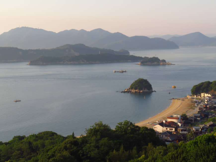 Like gumdrops in the sea: The many islands in the Seto Inland Sea north of the island of Shikoku give the area an impressive landscape. The geography has also fielded a long tradition of fishing. | AMY CHAVEZ