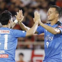 Frontale punch ticket for Levain Cup semifinals