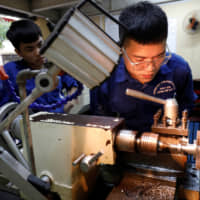 Sino-U.S. trade war brings chances and challenges for Vietnam's skilled laborers