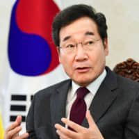 South Korean Prime Minister Lee Nak-yon is interviewed in Seoul on Thursday. | KYODO
