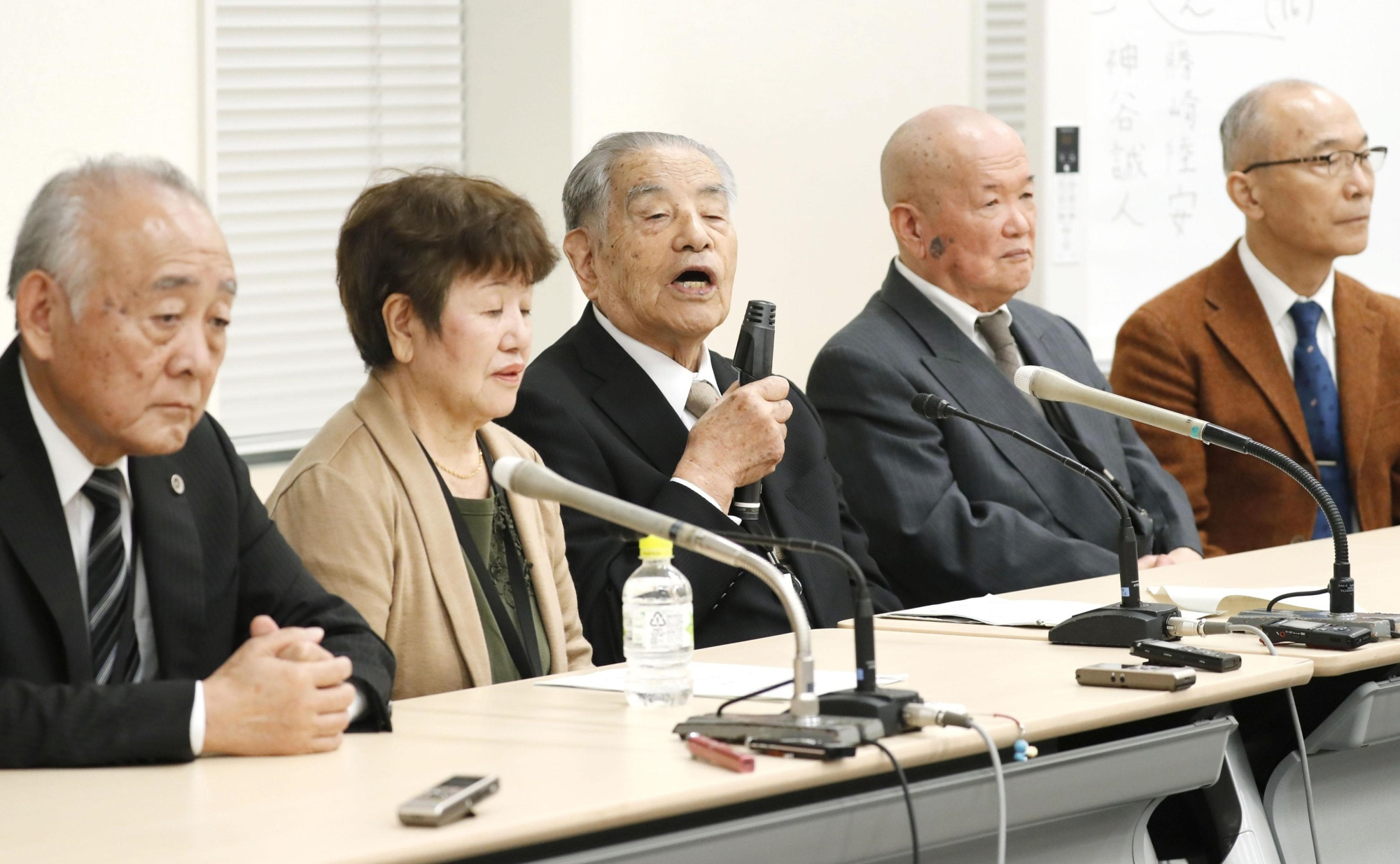 Chikara Hayashi speaks at a news conference held at the Diet on Thursday. | KYODO