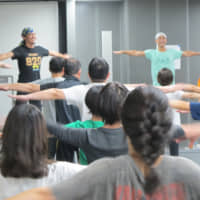 Citizens in synch: Around 180 non-professional dancers have joined Condors dance company for its production 'Bridges to Babylon.'   NOBUKO TANAKA