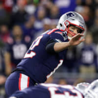 Patriots pound Giants, improve to 6-0