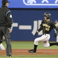 Kai Ueda, whose speed on the basepaths helped the Tigers in Game 3, is one of the bench players who contributed to Hanshin's victory over the BayStars in the Central League Climax Series First Stage. KYODO