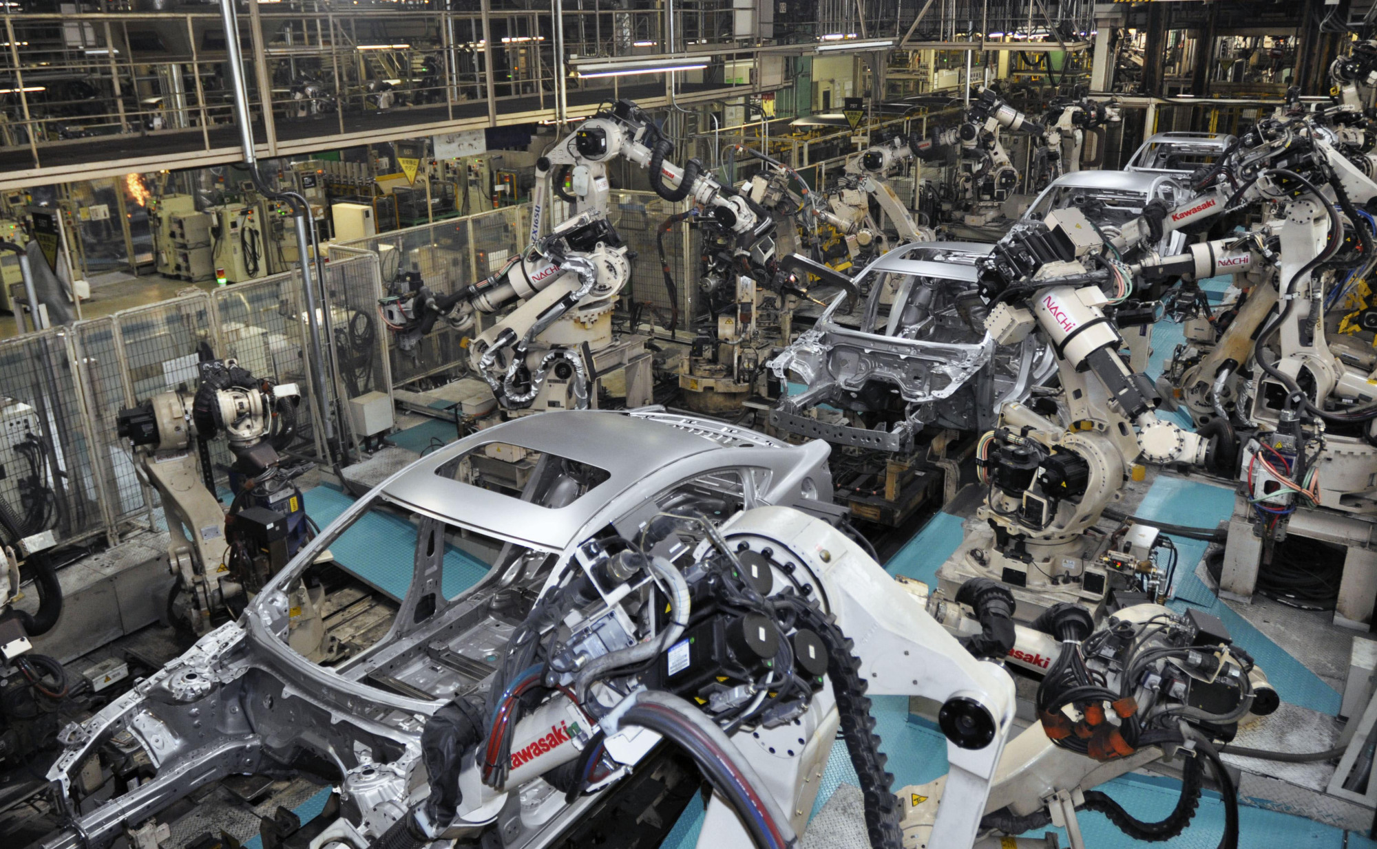 A production line at Mazda Motor Corp.'s plant in Hofu, Yamaguchi Prefecture, is seen in May 2018. | KYODO