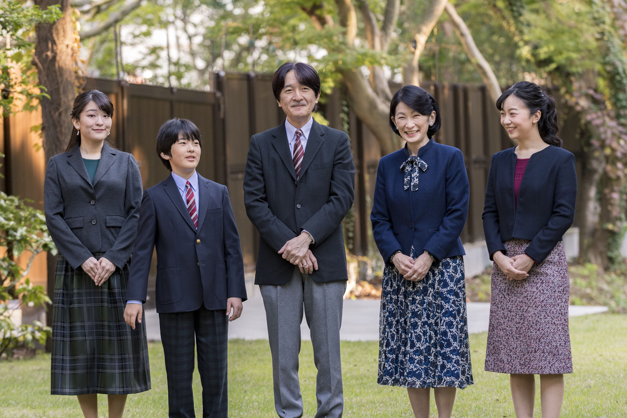 Crown Prince Akishino poses with his wife, Crown Princess Kiko, and their children, Princess Mako (left), Princess Kako (right) and Prince Hisahito at their residence in Tokyo on Nov. 15. | IMPERIAL HOUSEHOLD AGENCY / VIA AP