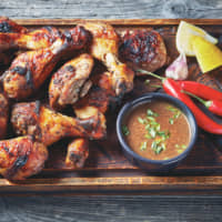Jamaica's iconic jerk chicken. | © SHUTTERSTOCK / FROM MY POINT OF VIEW