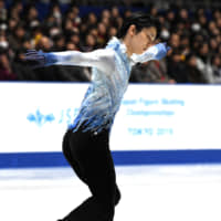 Yuzuru Hanyu seizes control with brilliant short program at nationals