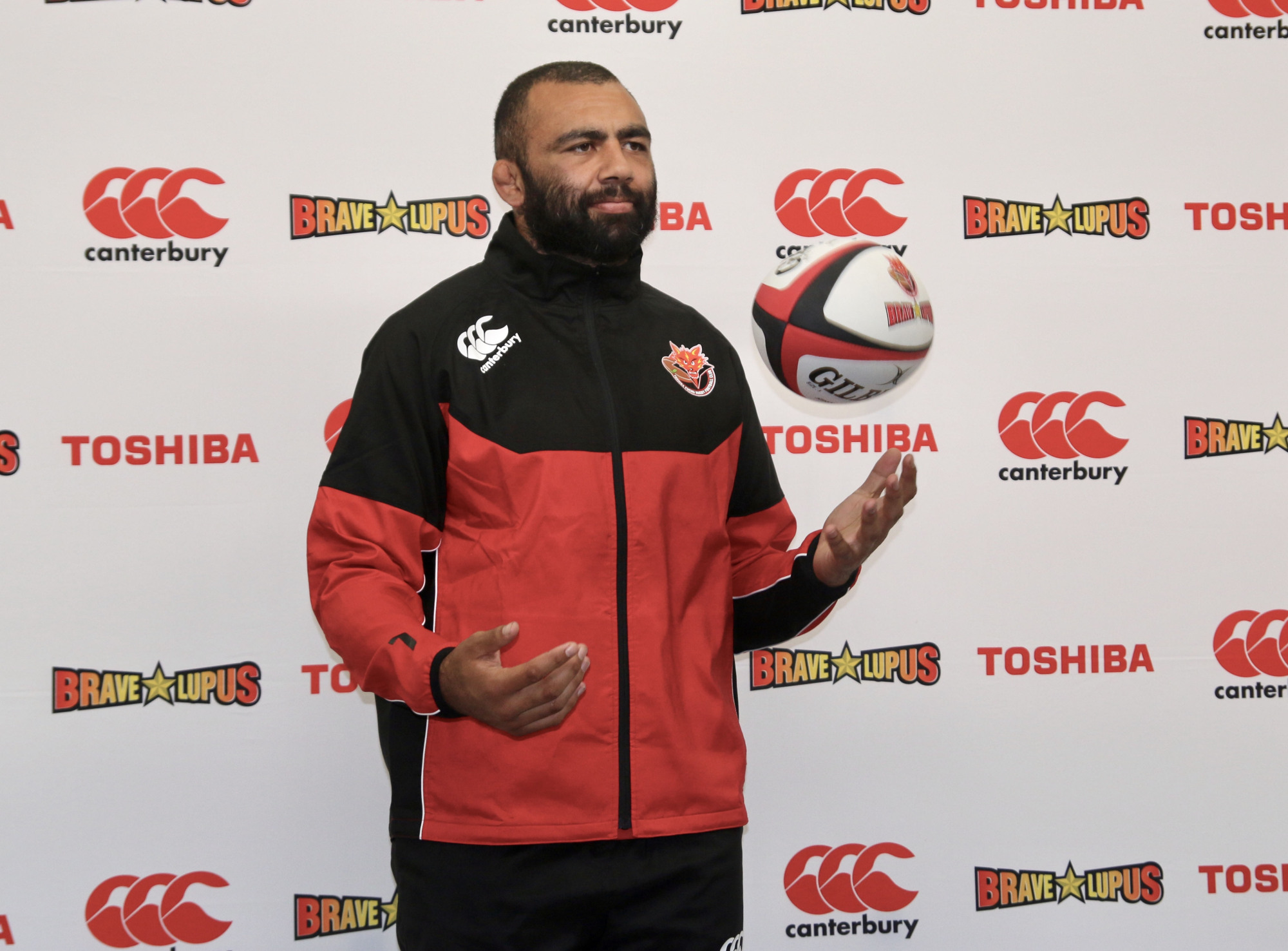 Brave Lupus player Michael Leitch participates in a news conference on Tuesday in Fuchu. Leitch is currently preparing for the upcoming Top League season. | KAZ NAGATSUKA