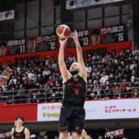 Tokyo's Milan Macvan shoots a jumper in Saturday's game against Toyama. | B. LEAGUE