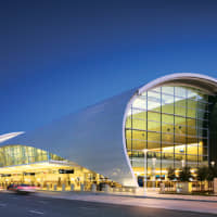 Norman Y. Mineta San Jose International Airport's Terminal B offers a sleek and modern design with an abundant of amenities and close-in parking to Silicon Valley travelers. | © SJC INTERNATIONAL AIRPORT