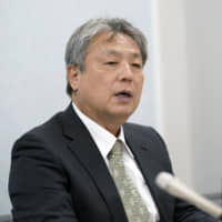 Former Seven-Eleven franchisee files suit in Osaka to get his store back