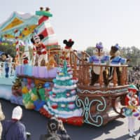 Tokyo Disneyland will be closed from Saturday through March 15, its operator announced Friday, amid a rise in COVID-19 infections. | KYODO