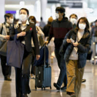 The number of foreign visitors to Japan fell for the fourth straight month in January, according to government data. | KYODO
