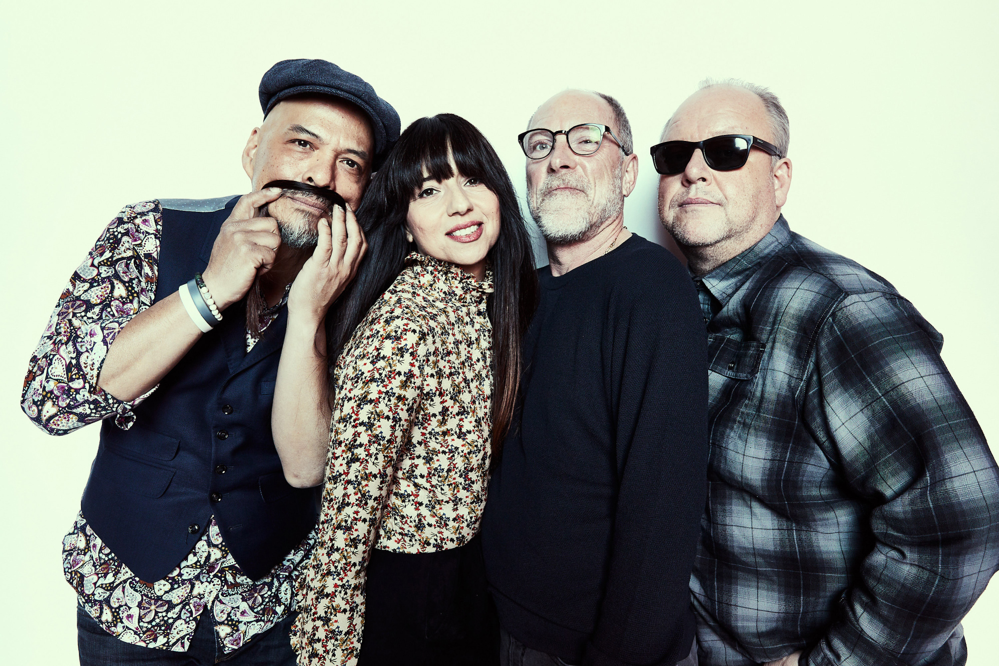 Better late than never: Pixies (from left: Joey Santiago, Paz Lenchantin, Dave Lovering and Black Francis) first visited Japan in 2004 for a set at Fuji Rock Festival, 18 years after the band was formed. | TRAVIS SHINN