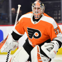Flyers goalie Brian Elliott records 40th career shutout in victory over Red Wings