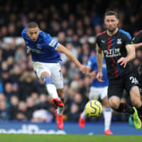 Everton strikes twice in second half to beat Crystal Palace