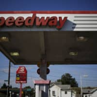 A Speedway gas station in Huntington, West Virginia. Seven & i Holdings Co. has dropped its plan to acquire the U.S. convenience store chain, which is owned by Marathon Petroleum Corp. | BLOOMBERG