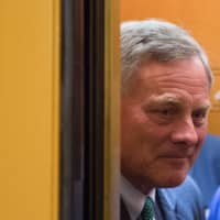 Sen. Richard Burr walks to the chamber for a vote on Capitol Hill in July 2018. | AFP-JIJI