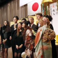 Number of foreign students in Japan reaches record high