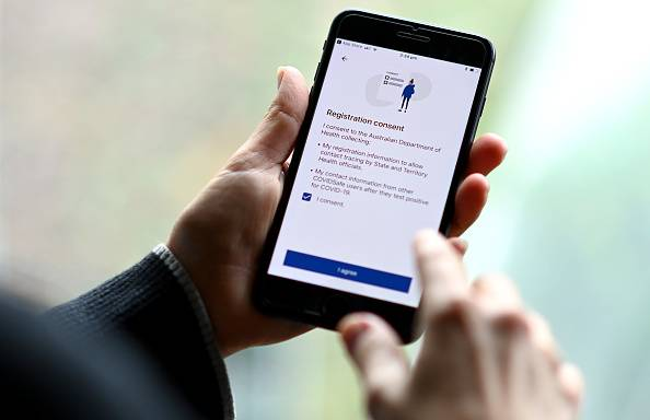 Australia's coronavirus tracking app COVIDSafe is displayed on a smartphone screen. Japan also plans to offer a smartphone application from early May that will warn users if they have been in contact with someone diagnosed with the new coronavirus. | GETTY IMAGES