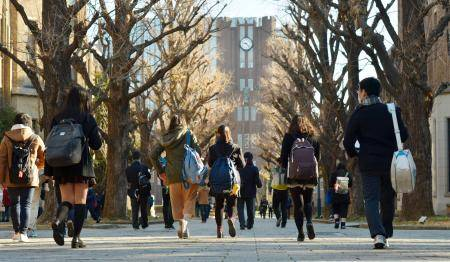 Some 70 universities have granted or plan to grant uniform cash payments to all of their students, including for purchases of personal computers or tablet devices and internet access. | KYODO