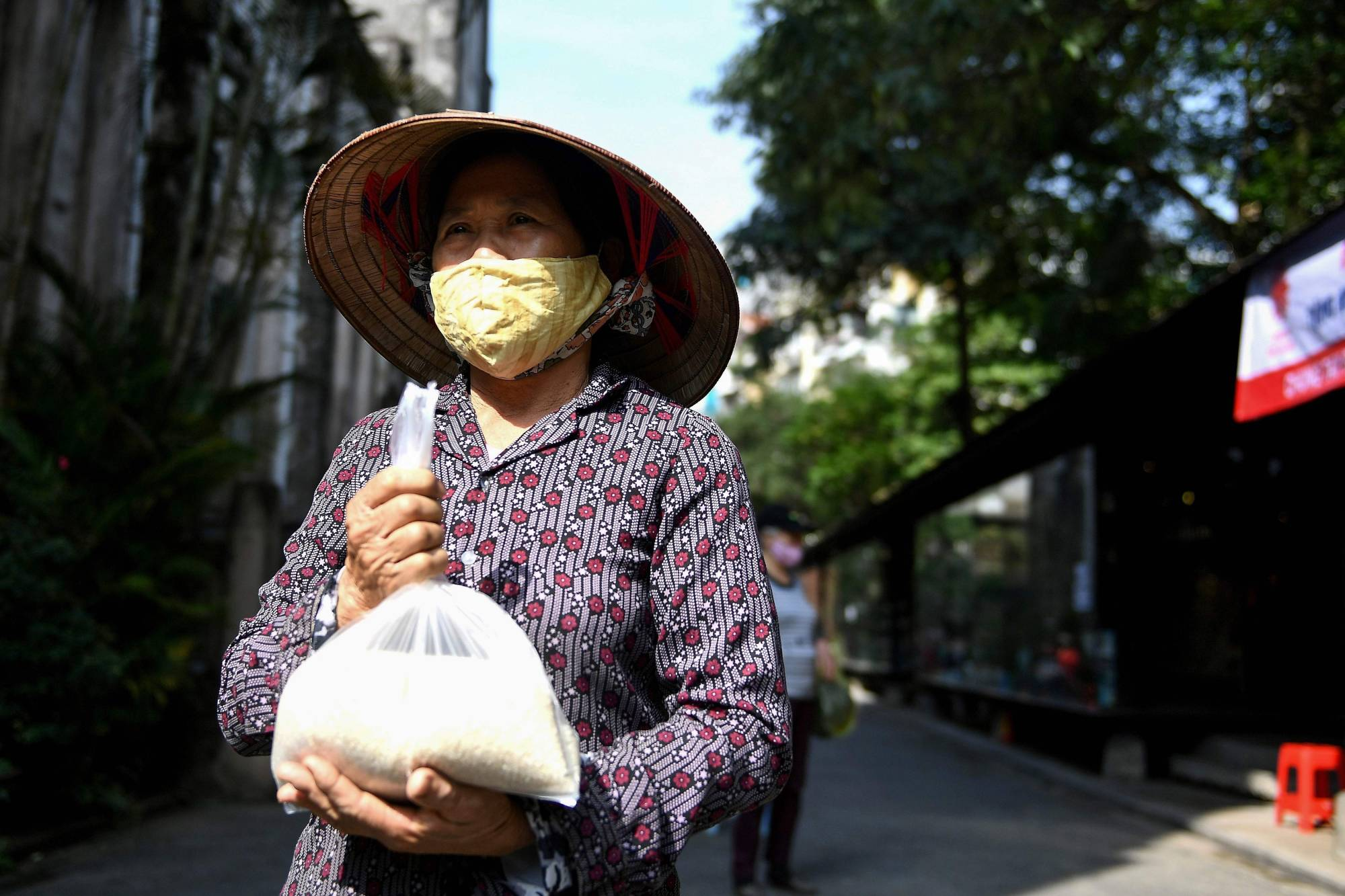 The coronavirus pandemic has threatened businesses around the globe, but the lack of digital know-how has exacerbated the risk for small businesses, many led by women in Southeast Asia. | AFP-JIJI
