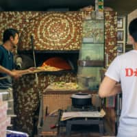 World pizza champion: Pizzeria e Trattoria da Isa is Tabelog's top-ranked pizza restaurant in Tokyo, and has the international acclaim to match. | OSCAR BOYD
