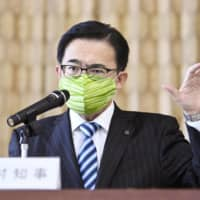 Gov. Hideaki Omura speaks at a news conference at the Aichi Prefectural Government's main office in Nagoya on May 15. | KYODO