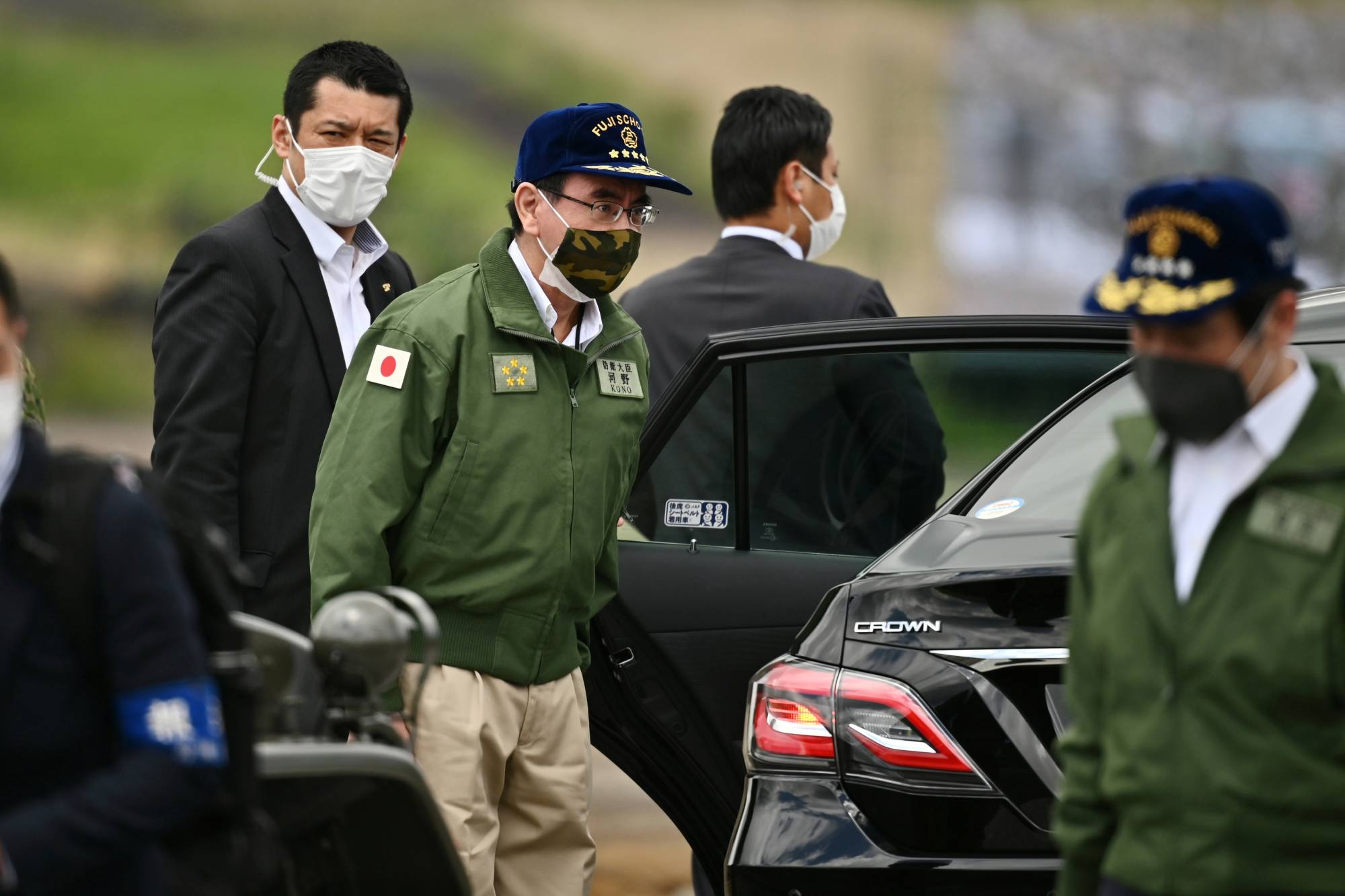Defense Minister Taro Kono attends the Japan Ground Self-Defense Forces' annual live fire exercise at the Higashi-Fuji firing range in Gotemba in Shizuoka Prefecture amid the spread of the coronavirus last week.  | POOL / VIA REUTERS