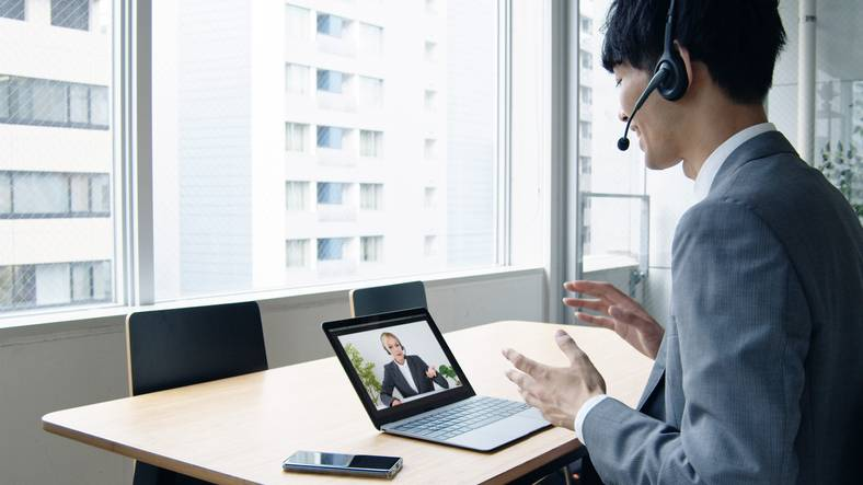 Toshiba Corp. has developed an artificial intelligence-based system to provide real-time video subtitles during online classes.   GETTY IMAGES