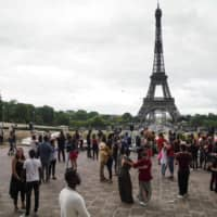 Thousands of French danced and partied well into Monday for an annual music festival, in the first big blowout since the lockdown. | AFP-JIJI