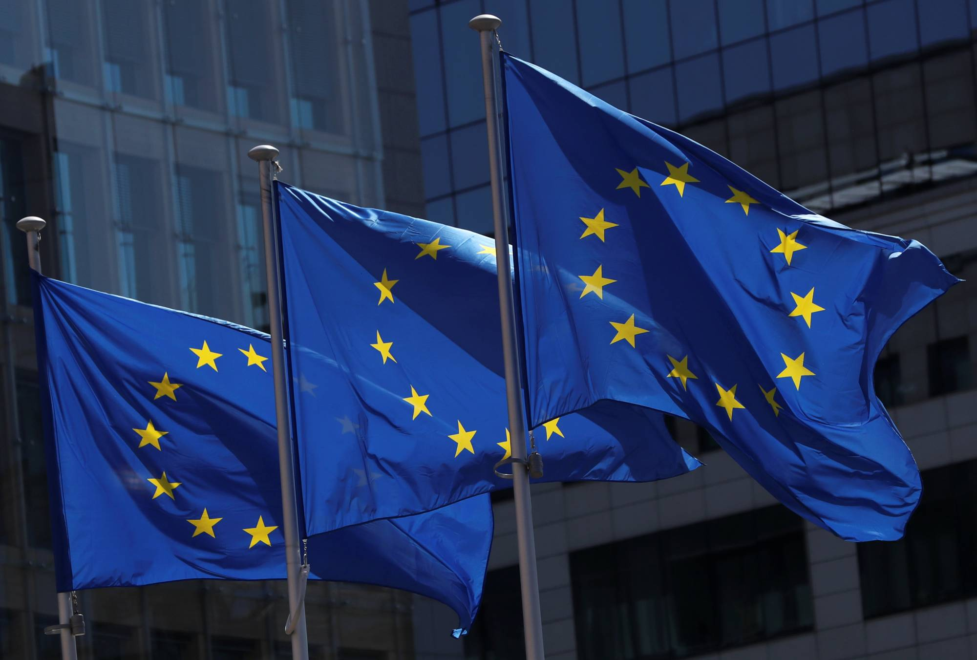 The 27-member European Union is considering allowing travelers from China to visit in return for the Asian country lifting its travel ban for EU nations and will also call on Japan and other countries on the list to remove their travel restrictions. | REUTERS