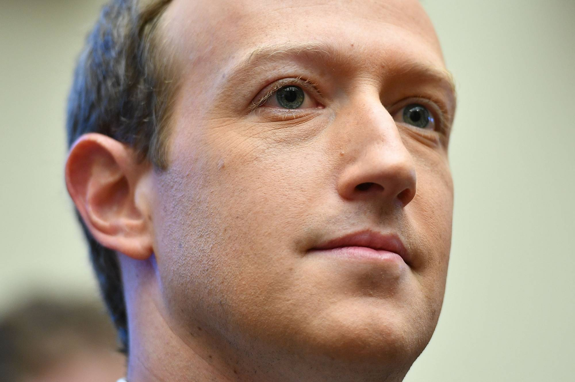 Last week, Facebook CEO Mark Zuckerberg told his employees that advertisers will eventually return and they will not change their policies under duress.   AFP-JIJI